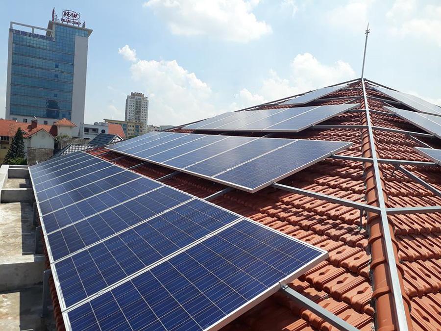 Lắp đặt điện mặt trời hòa lưới áp mái